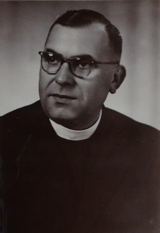 zdjęcie przedstawiające ks. Bronisława Czapiewskiego